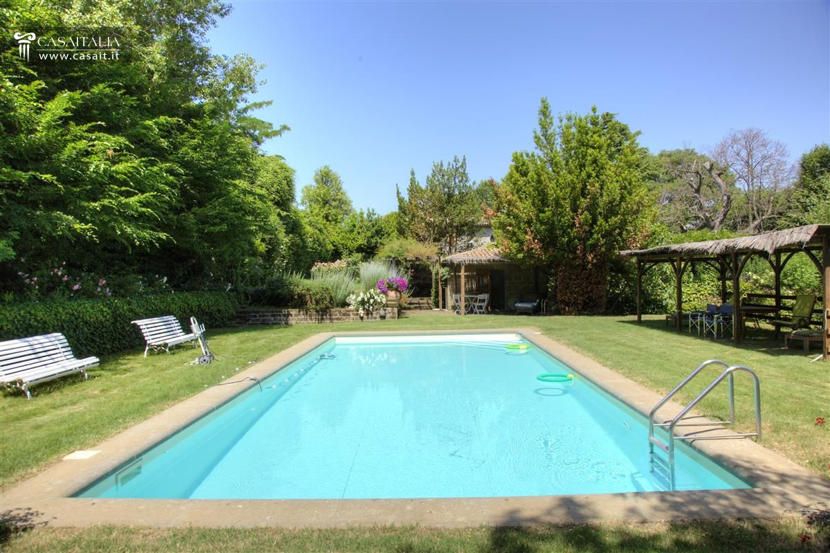 Farmhouse with swimming pool for sale near orvieto - B b umbria con piscina ...