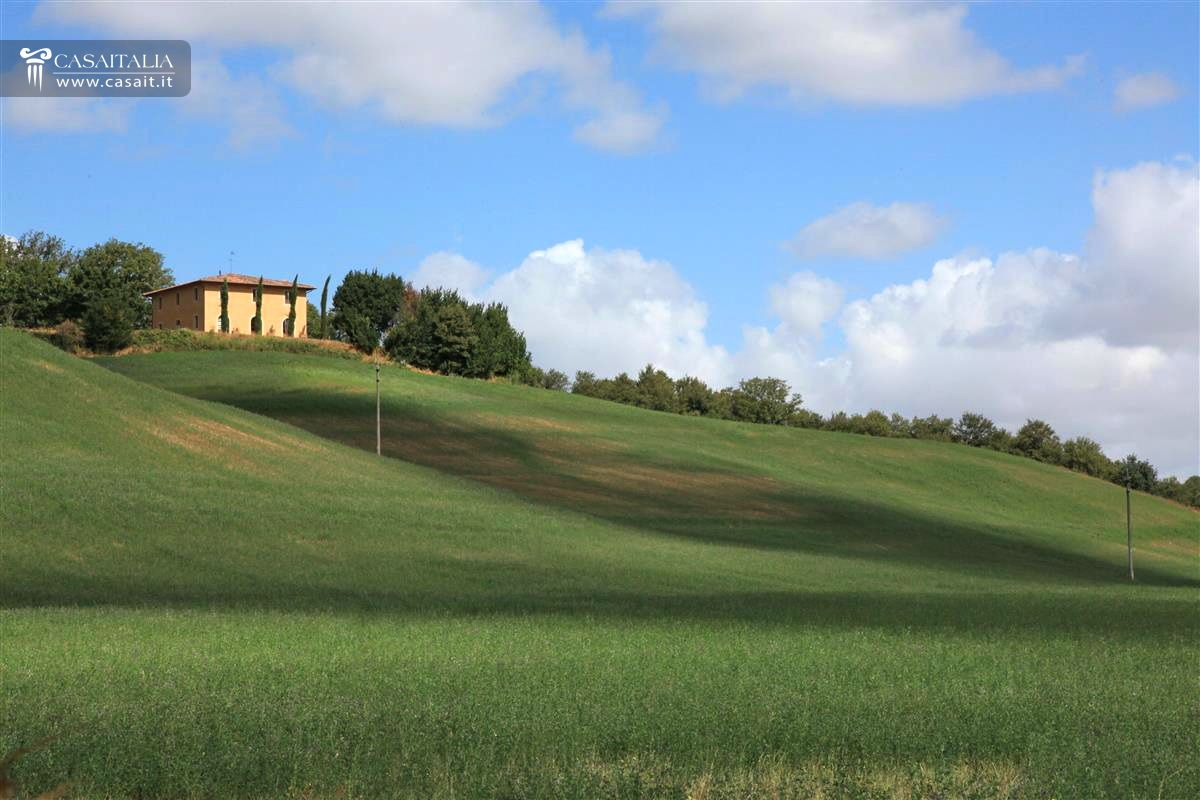 Tuscany - Panoramic villa for sale
