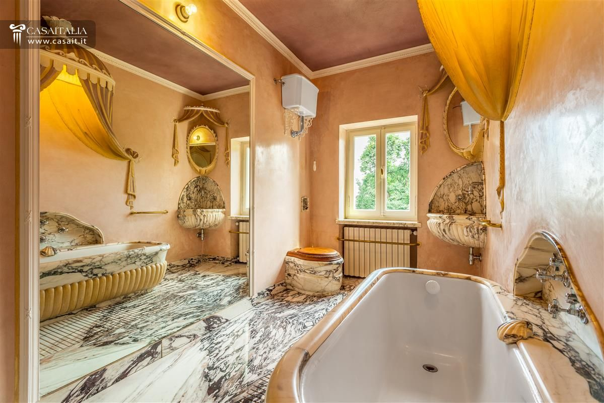 Luxury villa in Asolo for sale